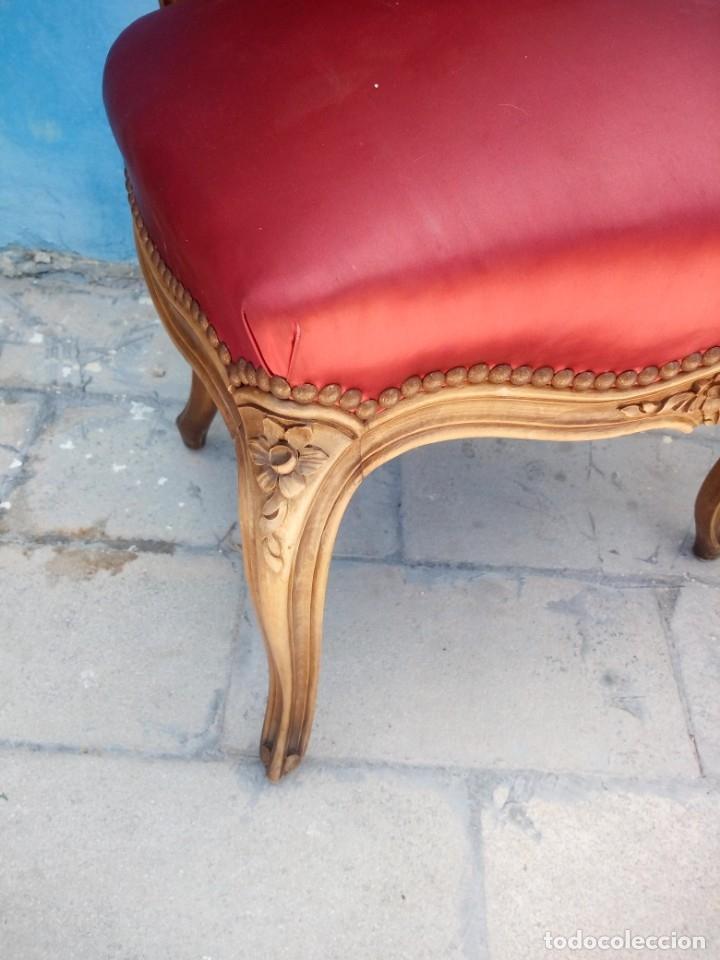 Antigüedades: Antigua pareja de sillas de roble talladas,isabelinas,tapizado de raso rojo ,de muelles,siglo xix - Foto 7 - 172637758
