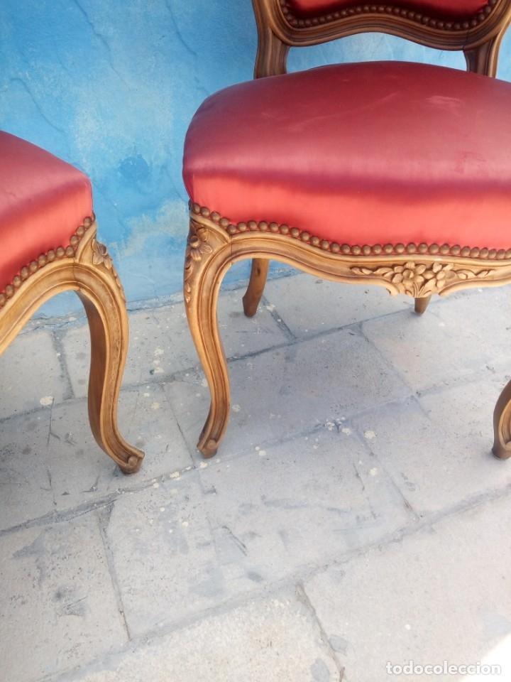 Antigüedades: Antigua pareja de sillas de roble talladas,isabelinas,tapizado de raso rojo ,de muelles,siglo xix - Foto 9 - 172637758