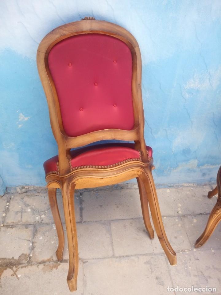 Antigüedades: Antigua pareja de sillas de roble talladas,isabelinas,tapizado de raso rojo ,de muelles,siglo xix - Foto 11 - 172637758