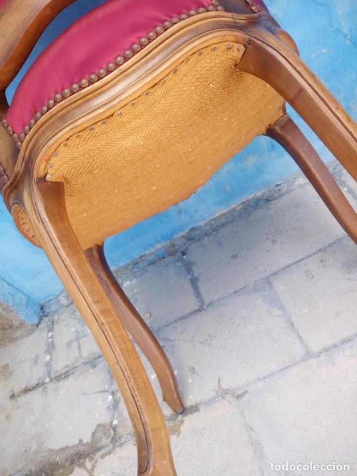 Antigüedades: Antigua pareja de sillas de roble talladas,isabelinas,tapizado de raso rojo ,de muelles,siglo xix - Foto 13 - 172637758