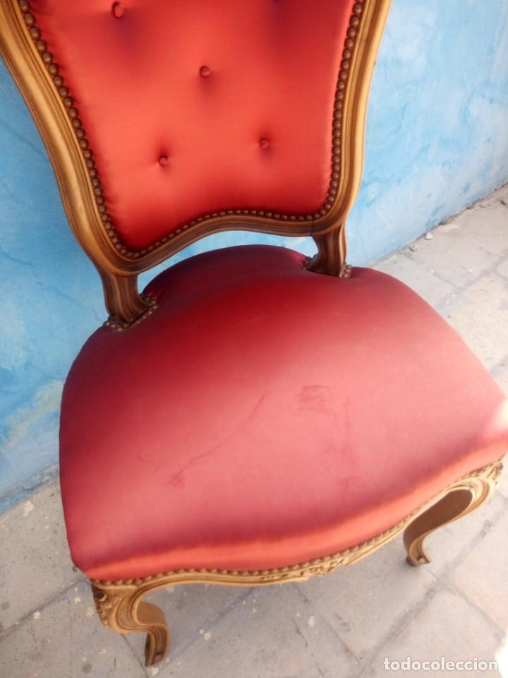 Antigüedades: Antigua pareja de sillas de roble talladas,isabelinas,tapizado de raso rojo ,de muelles,siglo xix - Foto 14 - 172637758