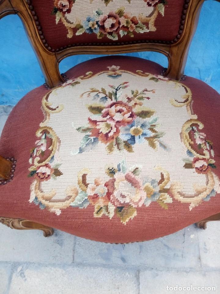 Antigüedades: Antiguo sillon de roble tallado,tapizado bordado a mano,isabelino,de muelles,siglo xix - Foto 4 - 172638064