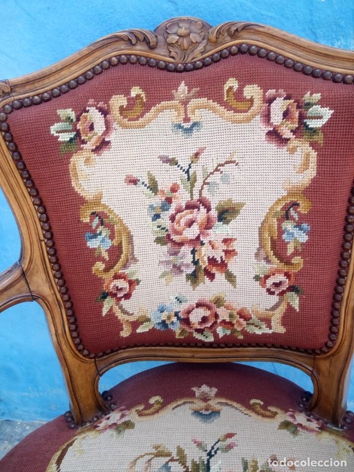 Antigüedades: Antiguo sillon de roble tallado,tapizado bordado a mano,isabelino,de muelles,siglo xix - Foto 5 - 172638064
