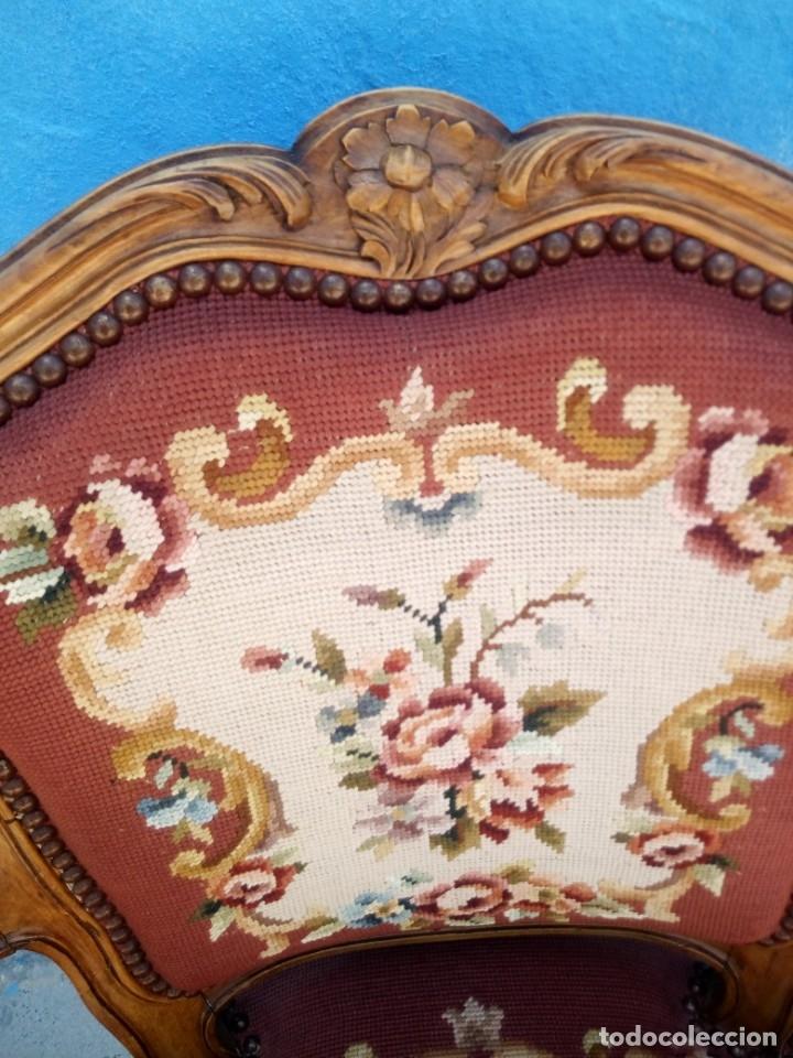 Antigüedades: Antiguo sillon de roble tallado,tapizado bordado a mano,isabelino,de muelles,siglo xix - Foto 8 - 172638064