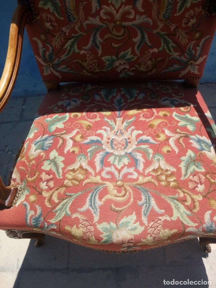 Antigüedades: Antiguo sillon de roble tallado isabelino,tapizado bordado a mano,rojo floral,de muelles,siglo xix - Foto 4 - 172638982