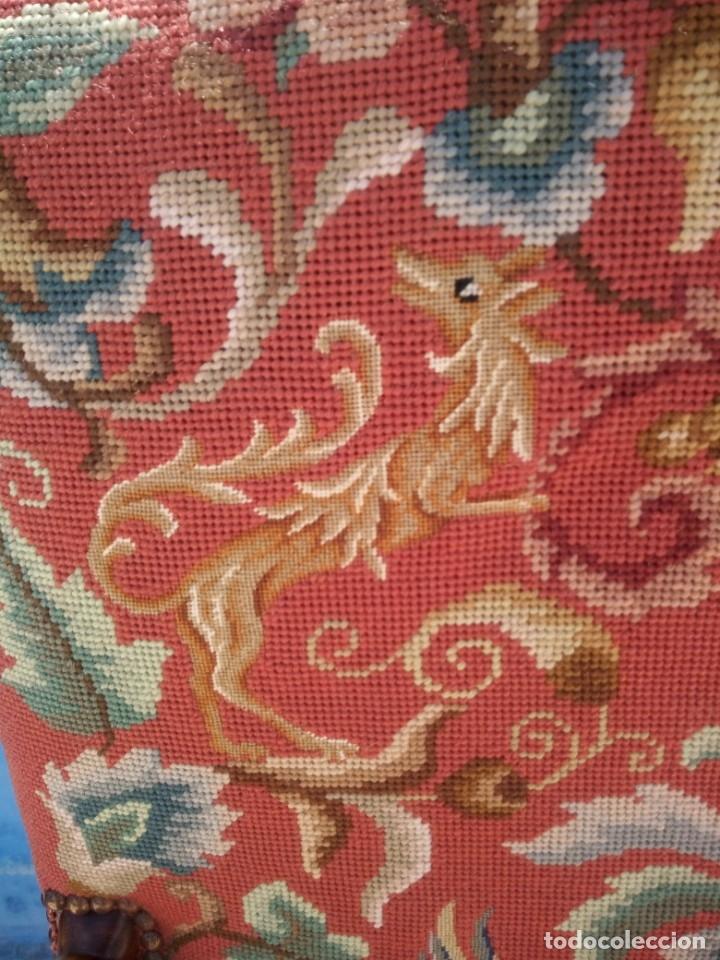 Antigüedades: Antiguo sillon de roble tallado isabelino,tapizado bordado a mano,rojo floral,de muelles,siglo xix - Foto 5 - 172638982