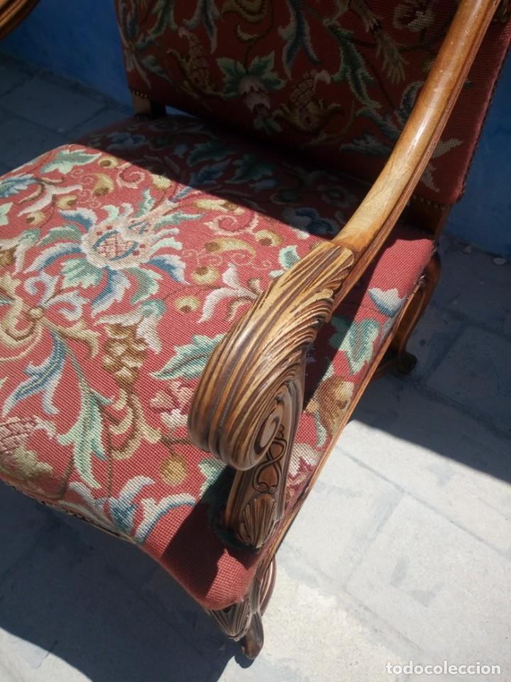 Antigüedades: Antiguo sillon de roble tallado isabelino,tapizado bordado a mano,rojo floral,de muelles,siglo xix - Foto 9 - 172638982