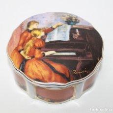 Antigüedades: CAJA EN PORCELANA CON ESCENA DE A. RENOIR JEUNES FILLES AU PIANO - GOEBEL ARTIS ORBIS. Lote 172639432
