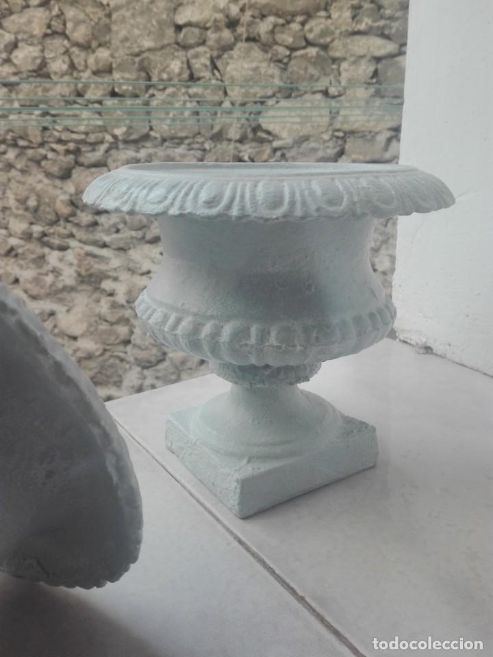 Antigüedades: Pareja de copas tipo Medici. Hierro colado - Foto 9 - 172641360