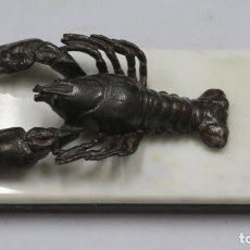 Antigüedades: PISAPAPELES DE CANGREJO DE METAL PATINADO. FINALES SIGLO XIX. Lote 172646465