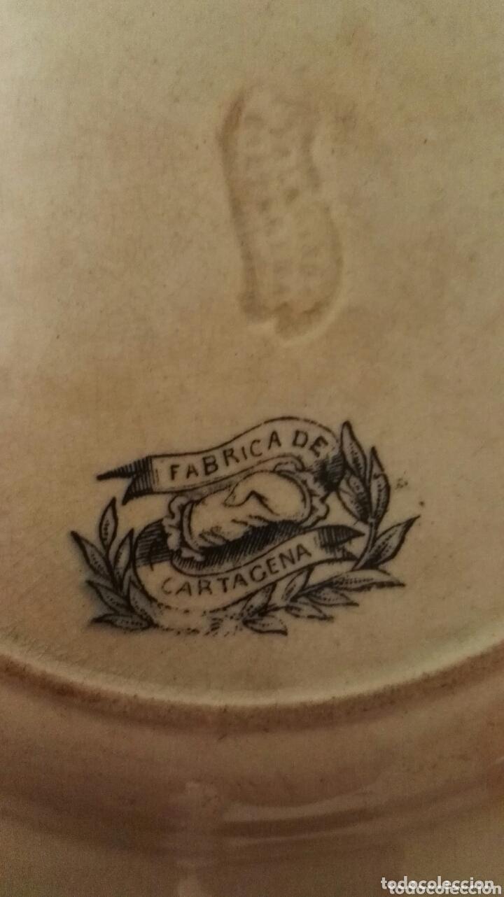 Antigüedades: Pareja de platos de cerámica. Fábrica Cartagena. Decoración cinegética. - Foto 4 - 172658180