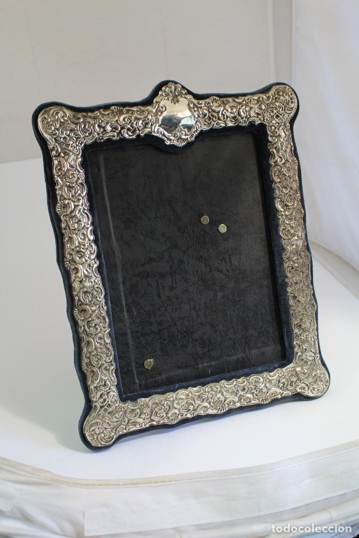 Antigüedades: portafotos antiguo en metal plateado - Foto 3 - 172669319
