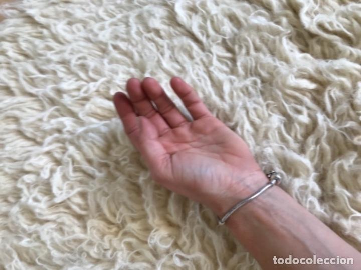 Antigüedades: gran alfombra lana pura rizada solida tejida detras en telar preciosa comoda impecable es antigua - Foto 9 - 172683619
