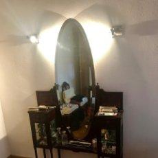 Antigüedades: MUEBLE ANTIGUO TOCADOR CON ESPEJO. Lote 172690227
