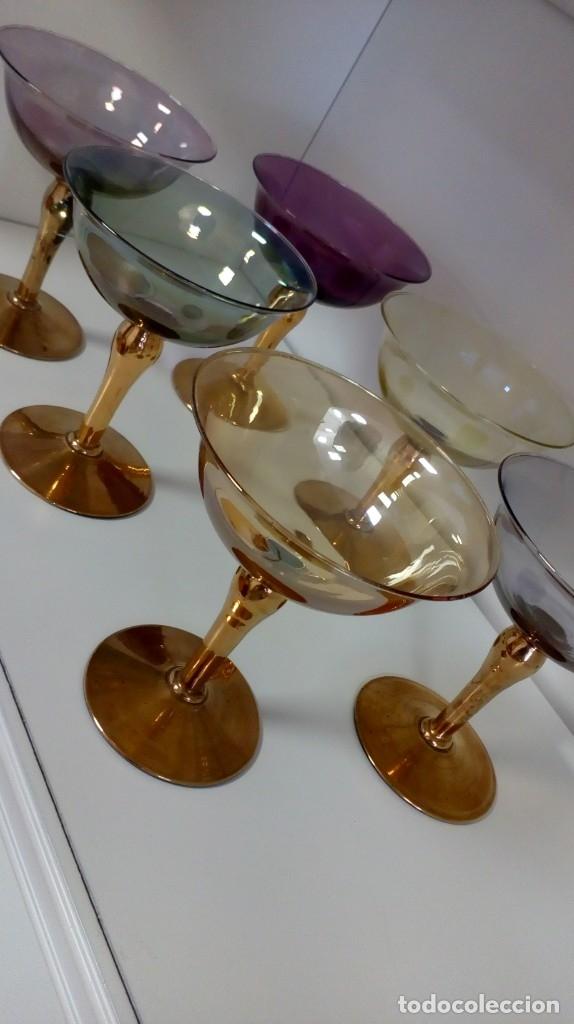 Antigüedades: Precioso juego de 6 copas de cristal antiguo de colores y oro - Foto 7 - 172700912