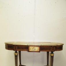 Antigüedades: MESA ANTIGUA LUIS XVI MARQUETERÍA Y BRONCES. Lote 172709529