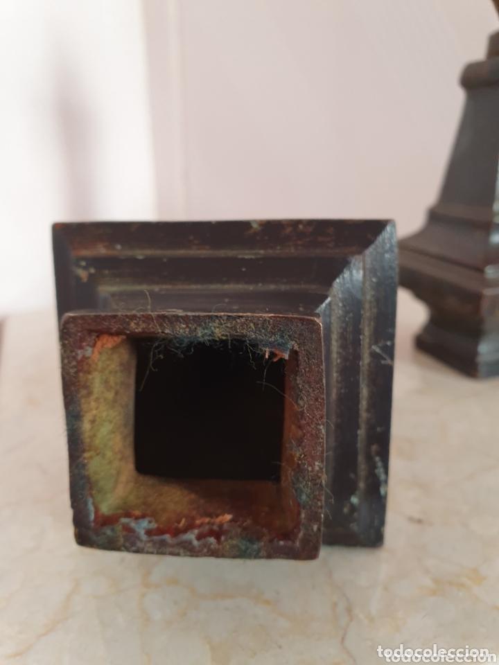Antigüedades: PAREJA DE TERMINALES REALIZADOS EN HIERRO - Foto 4 - 172710093