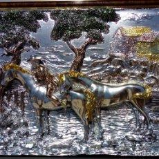 Antigüedades: ALTO RELIEVE. PLAQUÉ DE PLATA. ARG 925. PUNZONADO. MARCO ESPEJO GRABADO Y MADERA DE RAIZ. FLORENCIA.. Lote 172745072