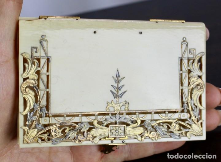 Antigüedades: ELEGANTE CARNET DE BAILE EN MARFIL Y ORO - S XIX, 11 X 7 cm - Foto 8 - 172747175
