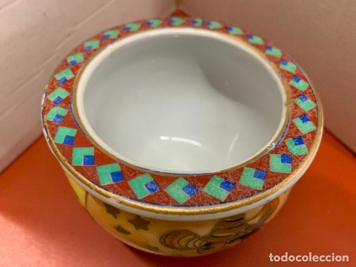 Antigüedades: Precioso macetero de porcelana o ceramica china. Mide 10,5cms diametro y 8cm altura - Foto 2 - 172765275