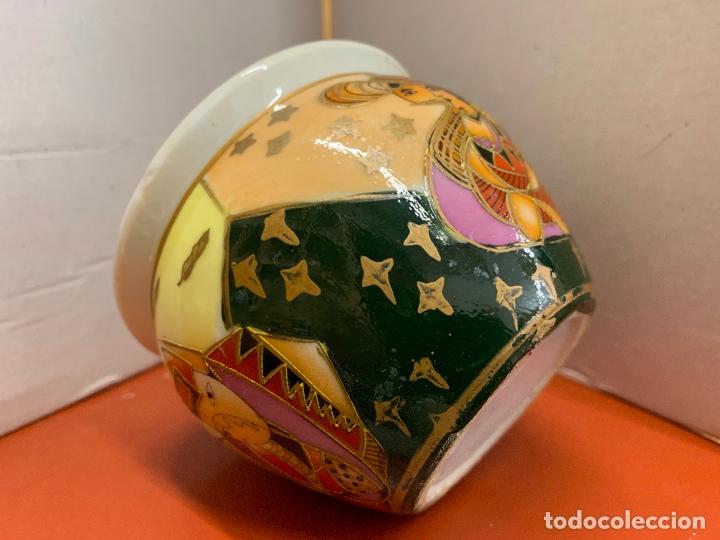 Antigüedades: Precioso macetero de porcelana o ceramica china. Mide 10,5cms diametro y 8cm altura - Foto 3 - 172765275