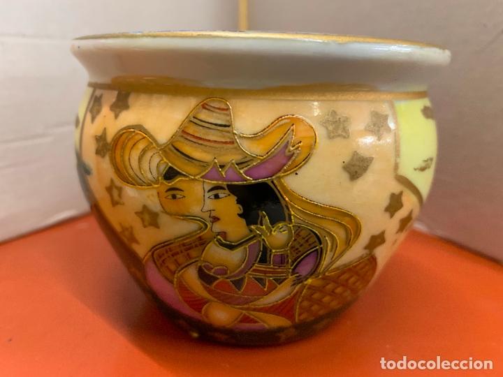 Antigüedades: Precioso macetero de porcelana o ceramica china. Mide 10,5cms diametro y 8cm altura - Foto 5 - 172765275