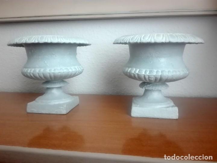 Antigüedades: Pareja de copas tipo Medici. Hierro colado - Foto 2 - 172641360