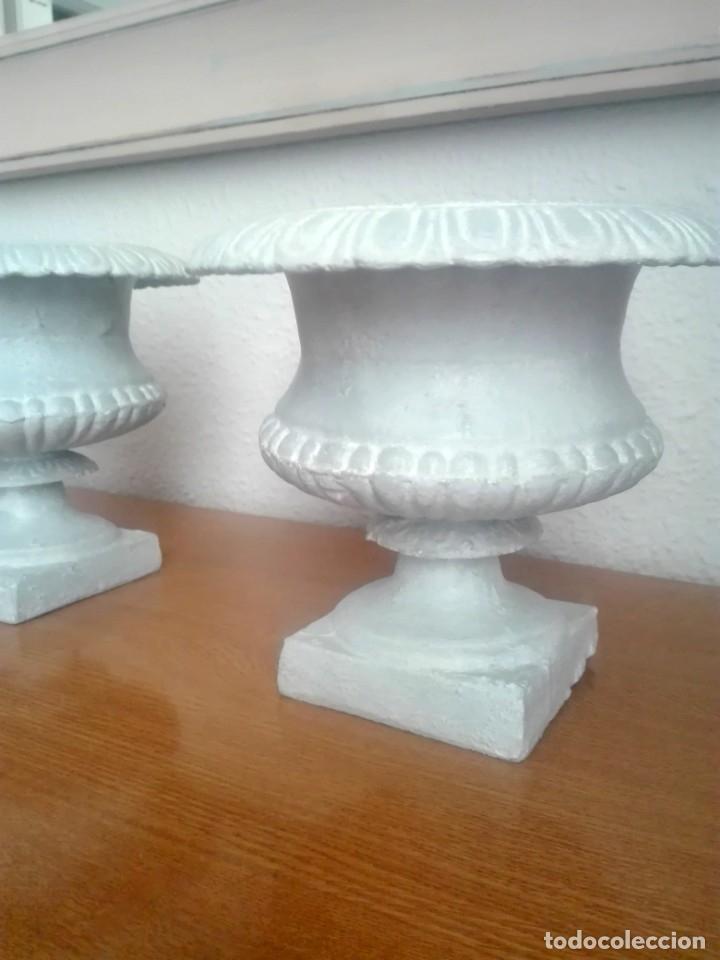 Antigüedades: Pareja de copas tipo Medici. Hierro colado - Foto 11 - 172641360