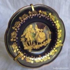 Antigüedades: PLATO PLATILLO DE PORCELANA DE LIMOGES, PARA COLGAR O SOBREMESA. Lote 172779317