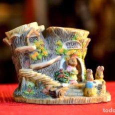 Antigüedades: FIGURA DE RESINA VINTAGE: STUMP HOUSE . Lote 172808939