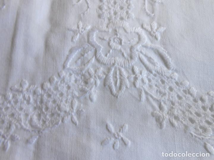 Antigüedades: Juego sabanas,colección antiqua años 80.Algodon puro,bordado a mano.Blanco.225 x 275 cm.Nuevo - Foto 3 - 172835198