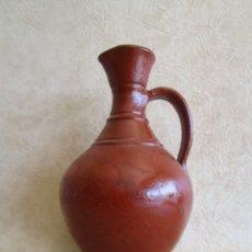 Antigüedades: JARRA CERAMICA MOTIVOS FLORALES 26 CM. Lote 172900207