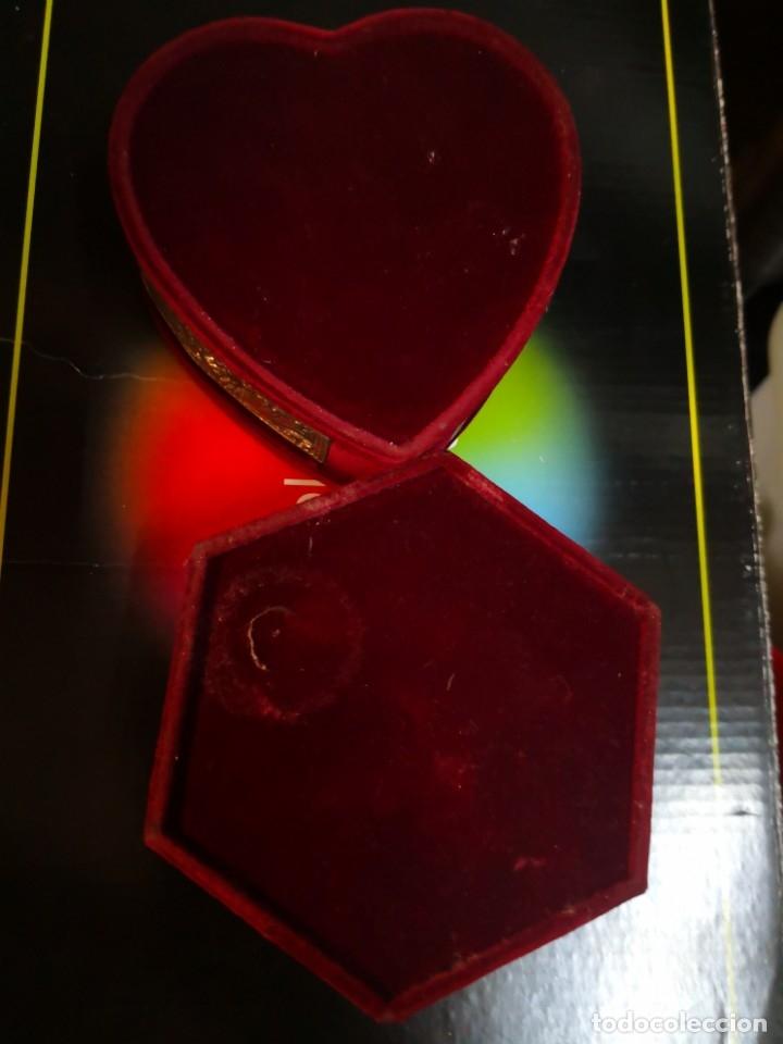 Antigüedades: 2 bonitos joyeros de terciopelo y metal 10x10x4,5 aproximadamente - Foto 2 - 172913733
