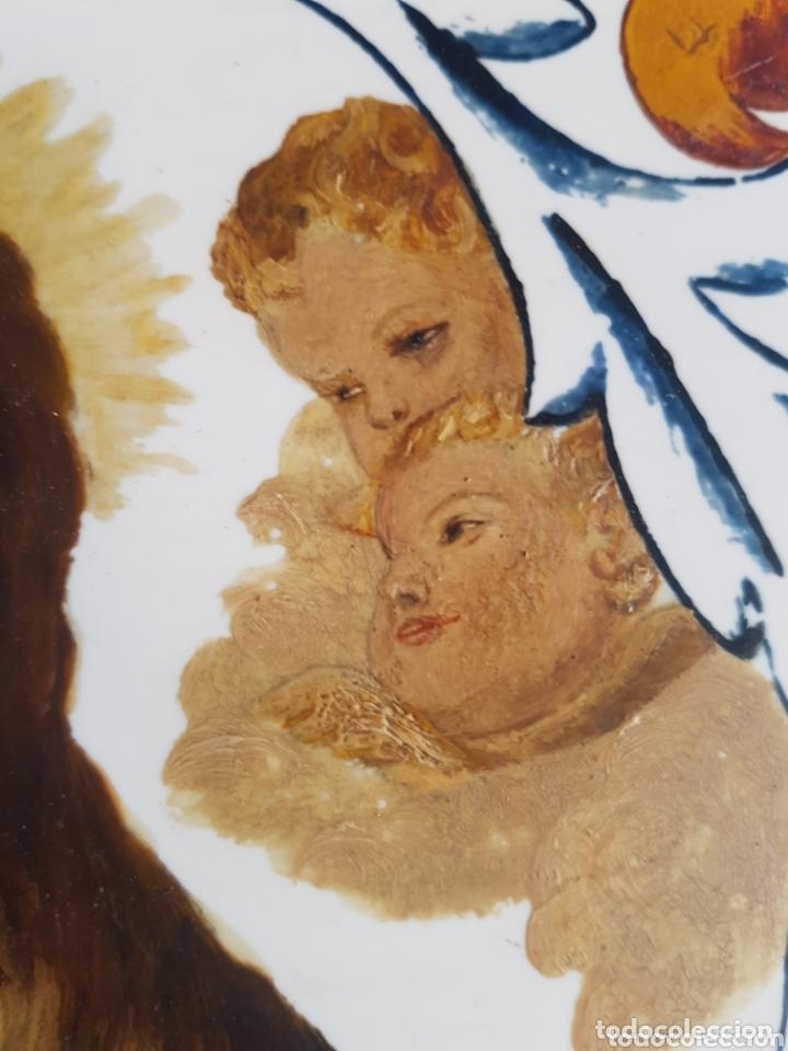 Antigüedades: Cuadro de Baldosas azulejos cerámica Ave Maria con Virgen y querubines - Foto 7 - 172938660