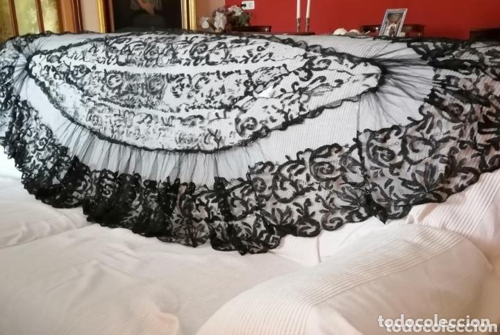 ANTIGUA MANTILLA DE TERNO PARA RESTAURAR O ENMARCAR (Antigüedades - Moda - Mantillas)