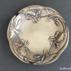 Antigüedades: PEQUEÑO PLATO DE PLATA CONTRASTADA . NUMERADO 38272 Y SELLADO 900 , ART NOUVEAU . Lote 172990770