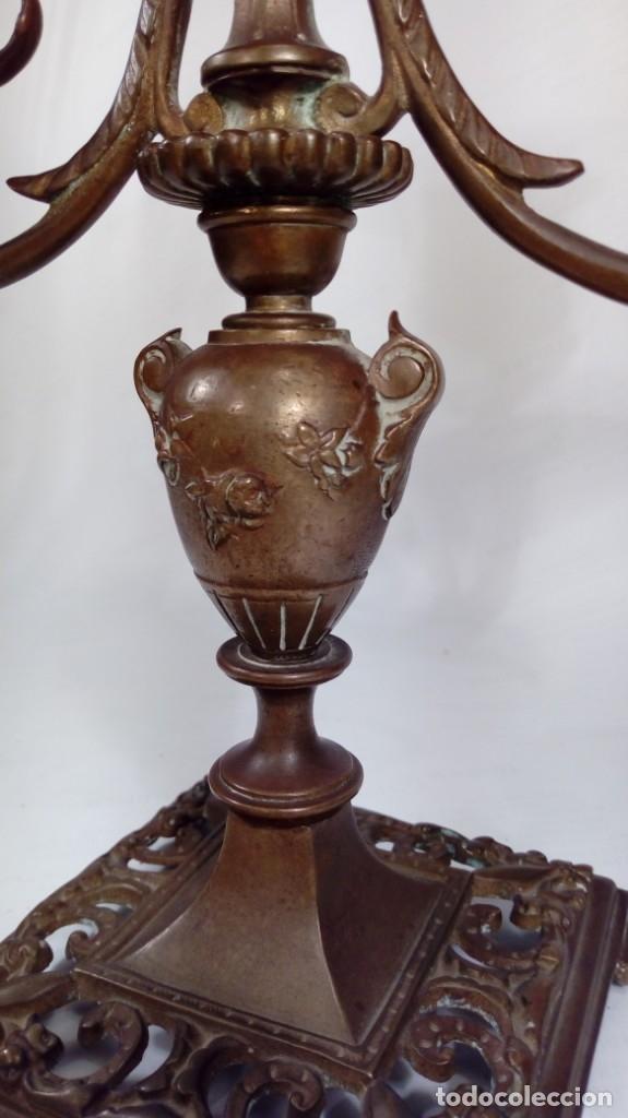 Antigüedades: CANDELABRO DE TRES LUCES EN BRONCE. ESTILO LUIS XVI. ÉPOCA DE NAPOLEÓN III. HACIA 1870. FRANCIA. - Foto 5 - 172993812