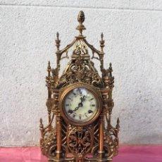 Antigüedades: RELOJ NEOGÓTICO FHS GERMANY BRONCE DORADO. Lote 172997177