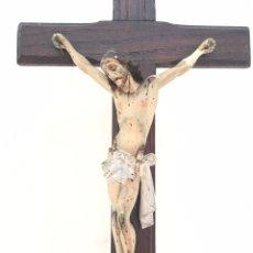 Antigüedades: CRISTO ANTIGUO DE MADERA POLICROMADA - TALLA RELIGIOSA - CRUCIFICADO. Lote 172971209