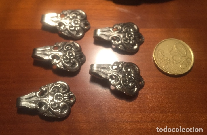 Antigüedades: Antiguos corchetes presillas Metalicos labrados principio siglo XX - Foto 11 - 173066134