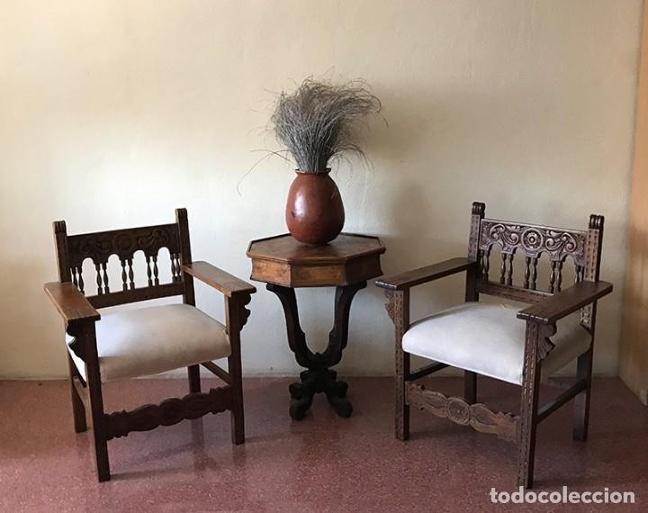 PAREJA DE SILLONES FRAILEROS CASTELLANOS (Antigüedades - Muebles Antiguos - Sillones Antiguos)