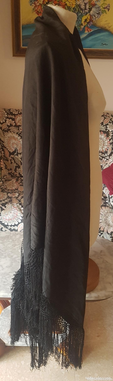 Antigüedades: Antiguo Mantón color negro liso 1,50 x 1,50 - Foto 2 - 173117474