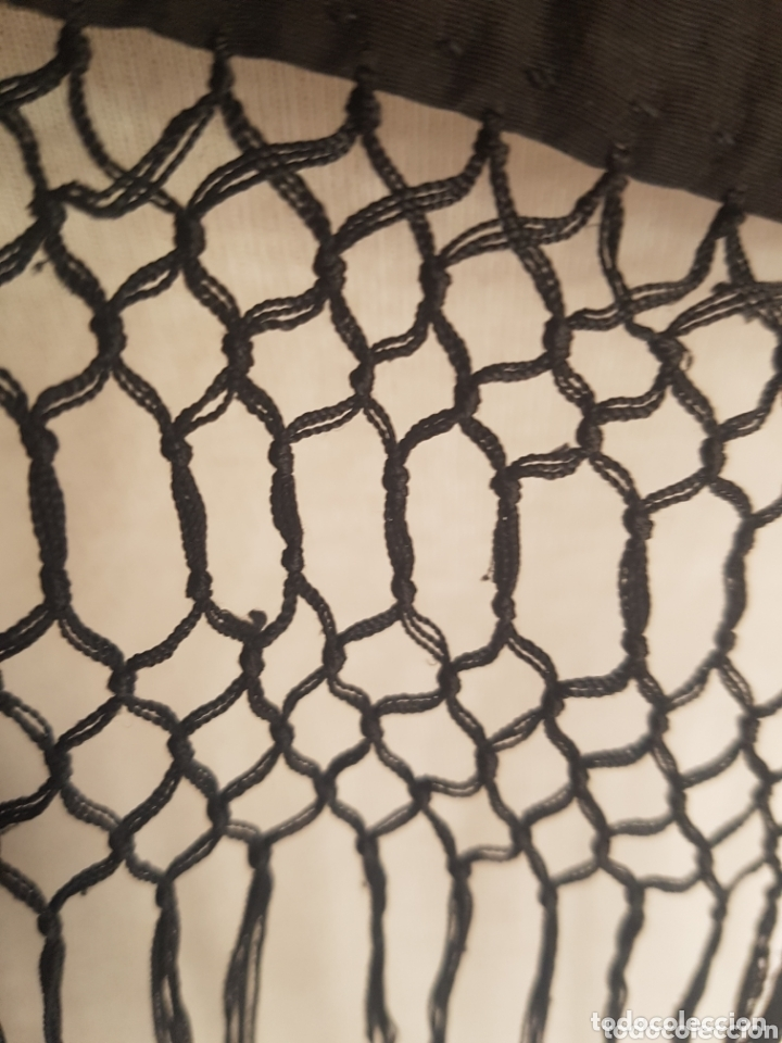 Antigüedades: Antiguo Mantón color negro liso 1,50 x 1,50 - Foto 4 - 173117474
