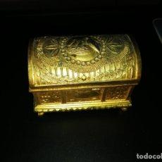 Antigüedades: COFRE DORADO. Lote 173119578