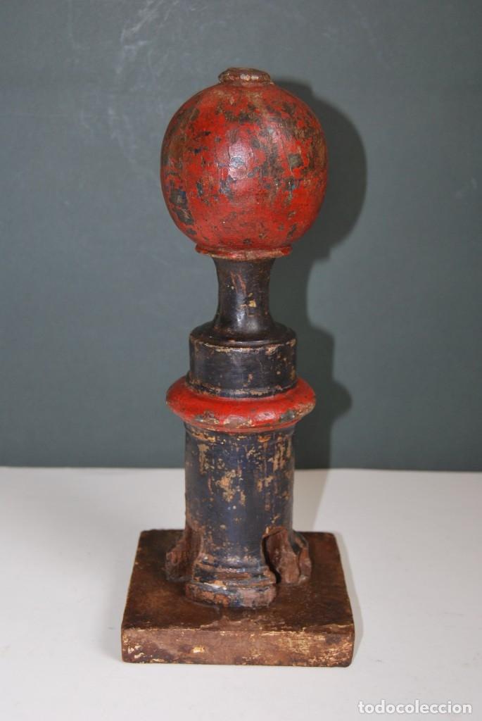 Antigüedades: REMATE DE MADERA - ESCALERA O BARANDILLA - ESQUINERO - SIGLO XVIII - Foto 3 - 173120542