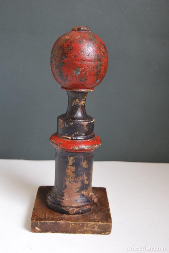 Antigüedades: REMATE DE MADERA - ESCALERA O BARANDILLA - ESQUINERO - SIGLO XVIII - Foto 5 - 173120542