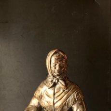 Antigüedades: ANTIGUA FIGURA ARTESANA DEL MAR. SEÑORA/MUJER REDERA.. Lote 173132203