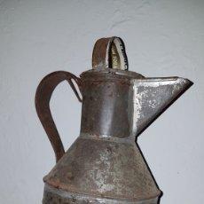Antigüedades: ANTIGUA ACEITERA HOJALATA,ARTE DE HOJALATERO.. Lote 173194889