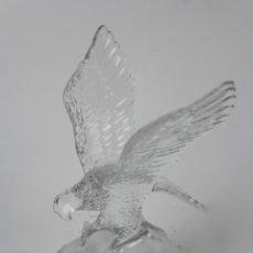 Antigüedades: AGUILA EN CRISTAL. S.XX.. Lote 173206242