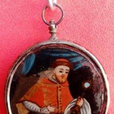 Antigüedades: RELICARIO PLATA SIGLO XVIII, CON ÓLEO BAJO CRISTAL DE SAN RAMÓN NONATO Y VIRGEN CON NIÑO. 8.6X6.2 CM. Lote 173208902